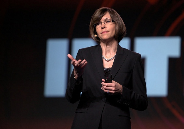 Bethany Mayer, senior vice president and general manager, Networking, HP
