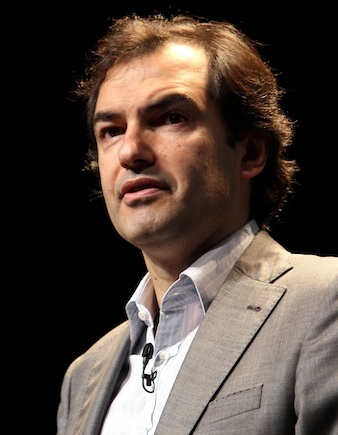 Yahoo COO Henrique de Castro steps down