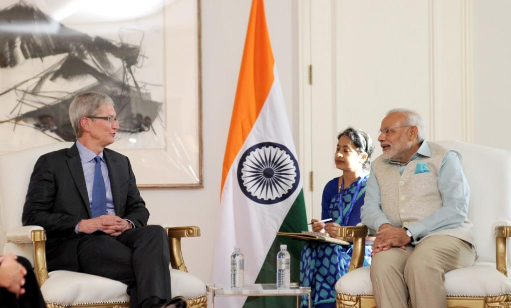 Apple CEO Tim Cook and PM Narendra Modi