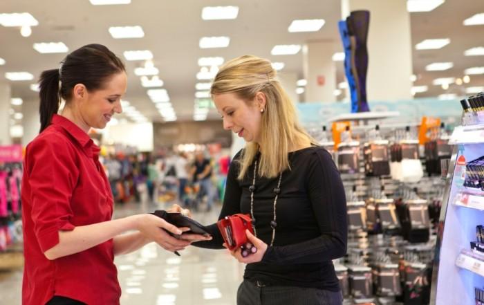 Retail customer image by Motorola Solutions