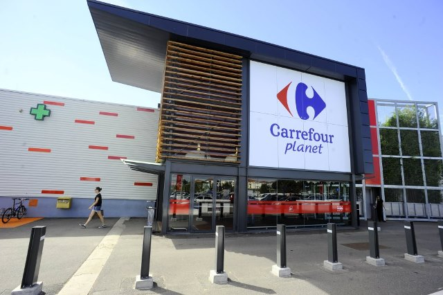 Carrefour and technology investment